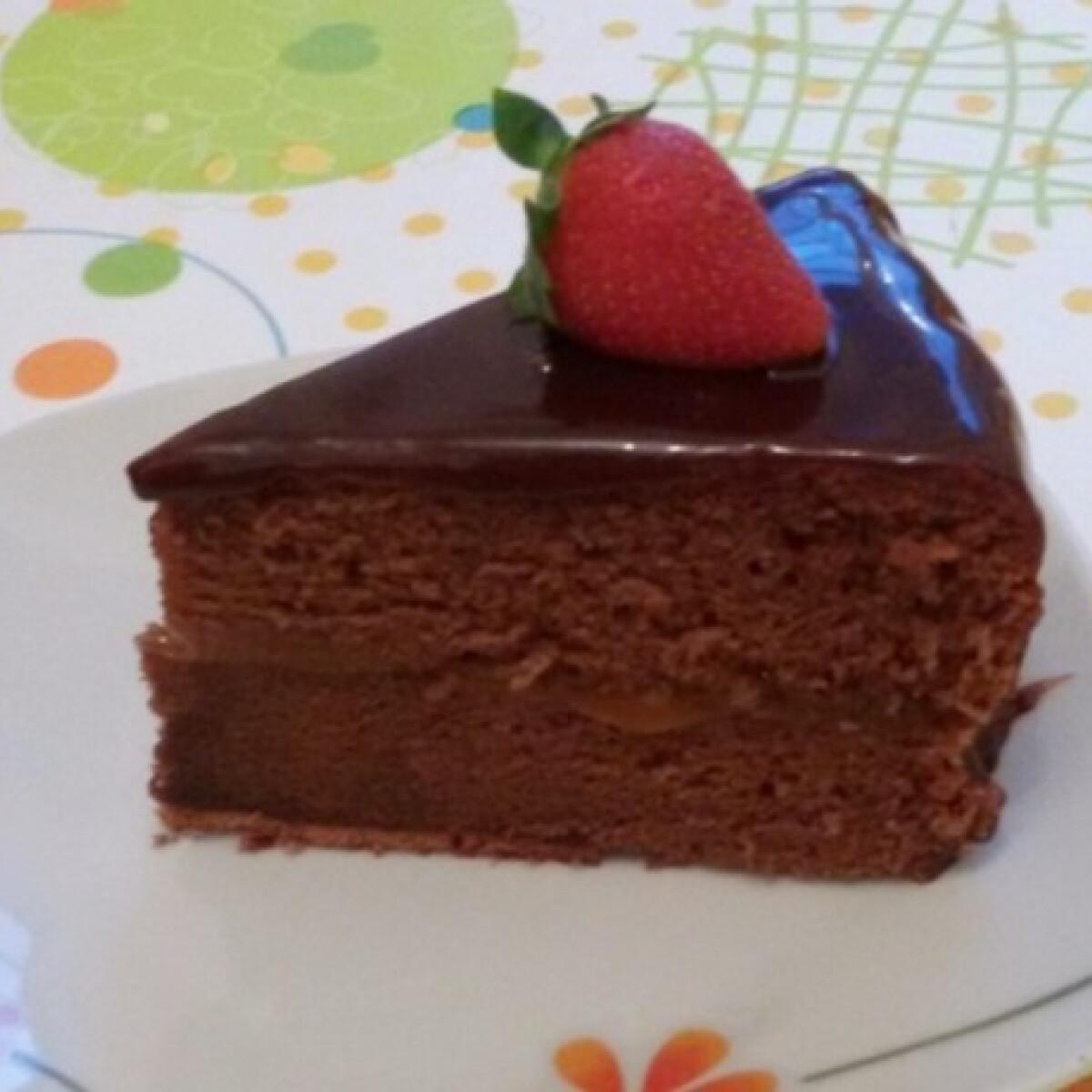 Ezen a képen: Sacher-torta Jenő Cheftől