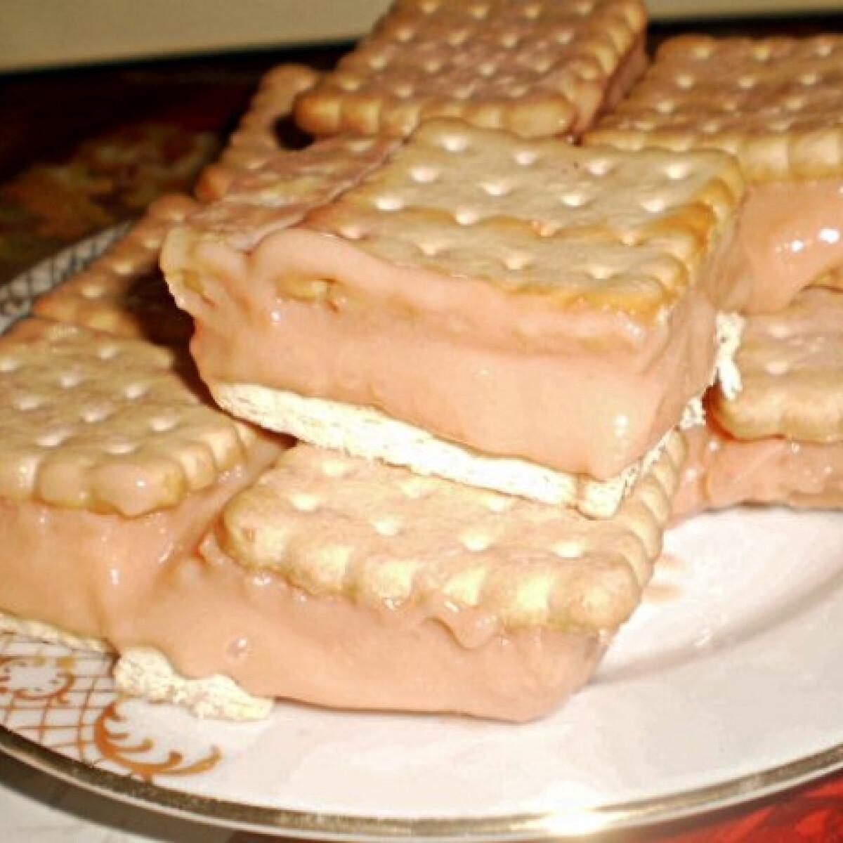 Ezen a képen: Puncsos kekszes