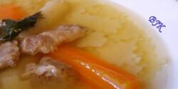 Húsleves eperlevél tésztával