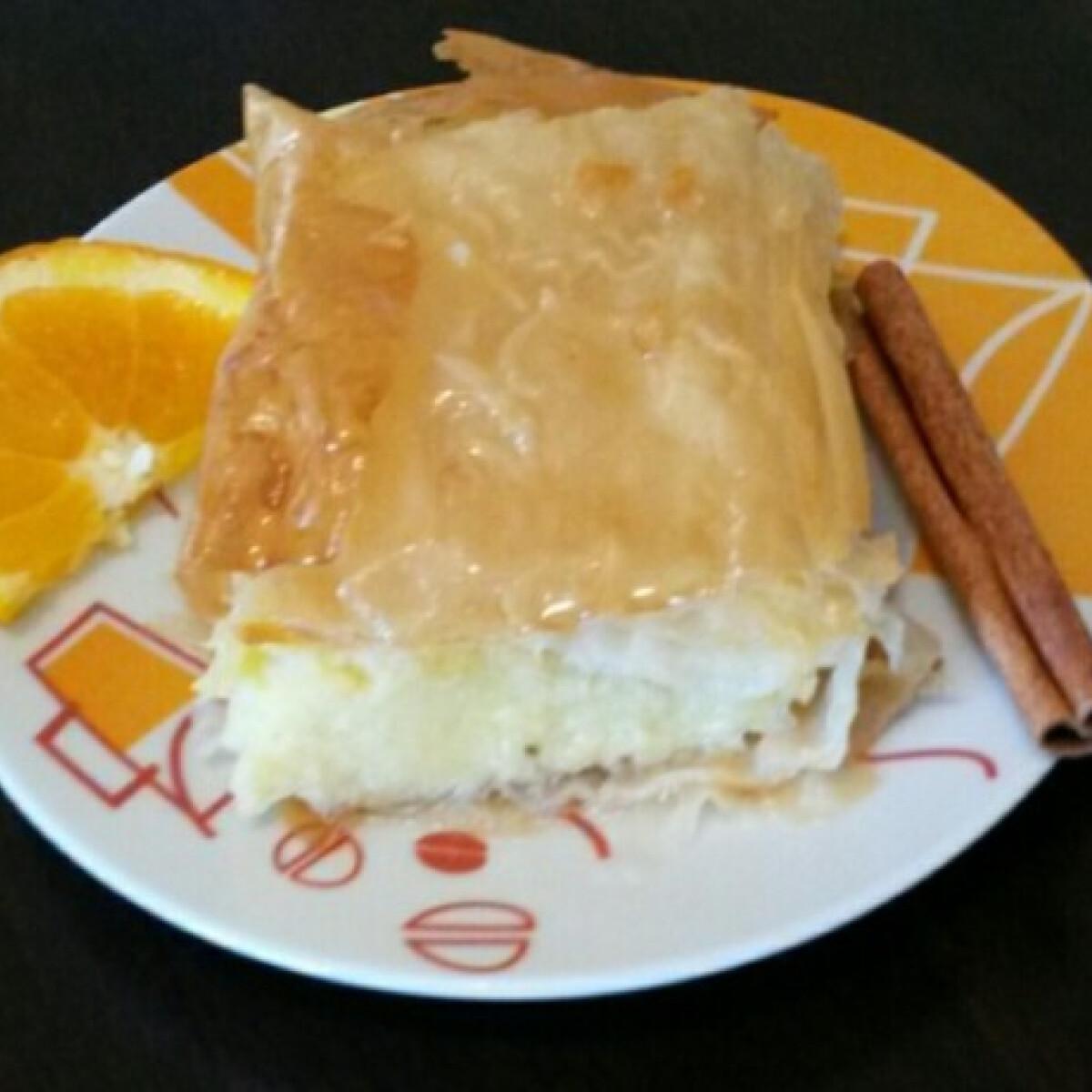 Ezen a képen: Görög tejpite