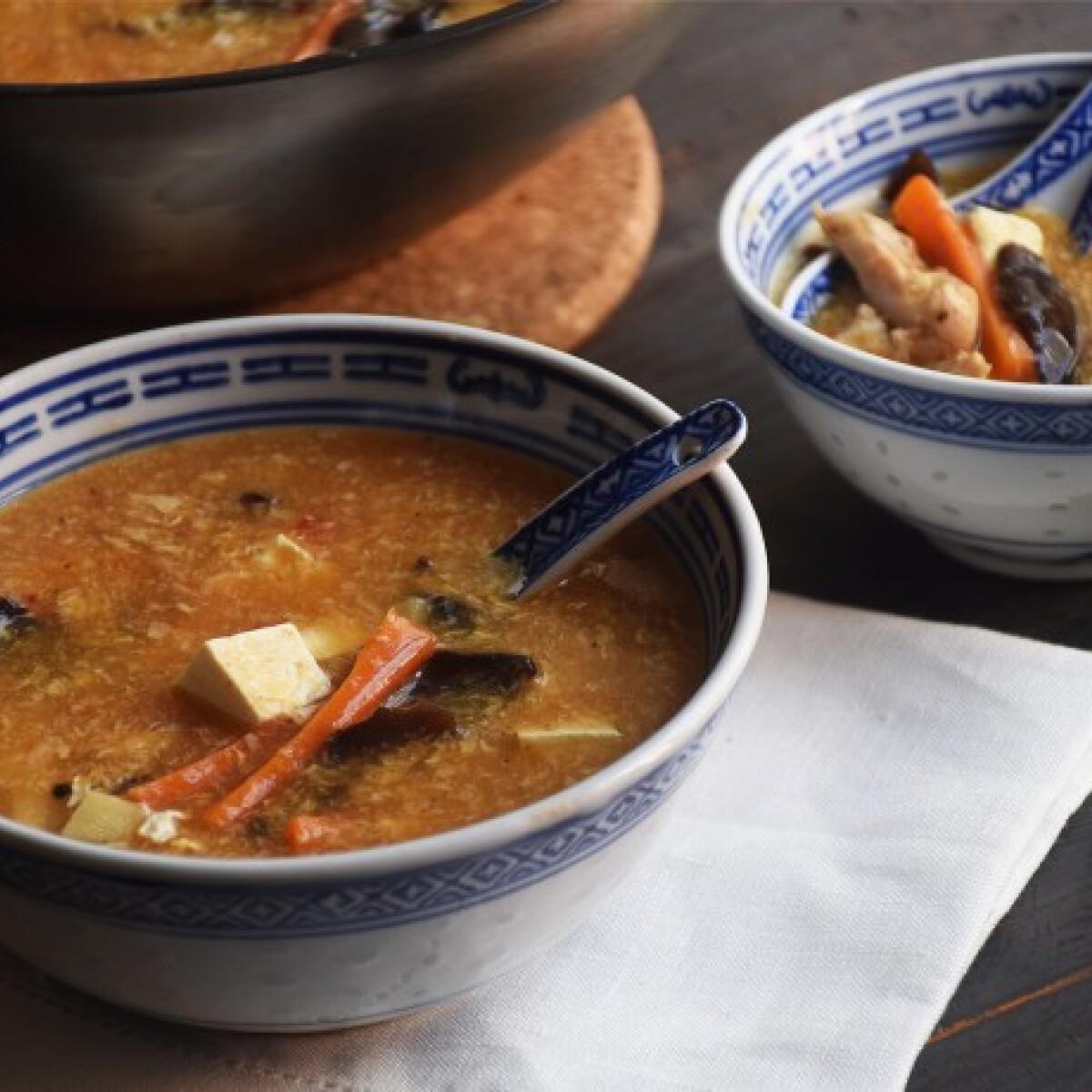 Ezen a képen: Kínai csípős-savanyú leves