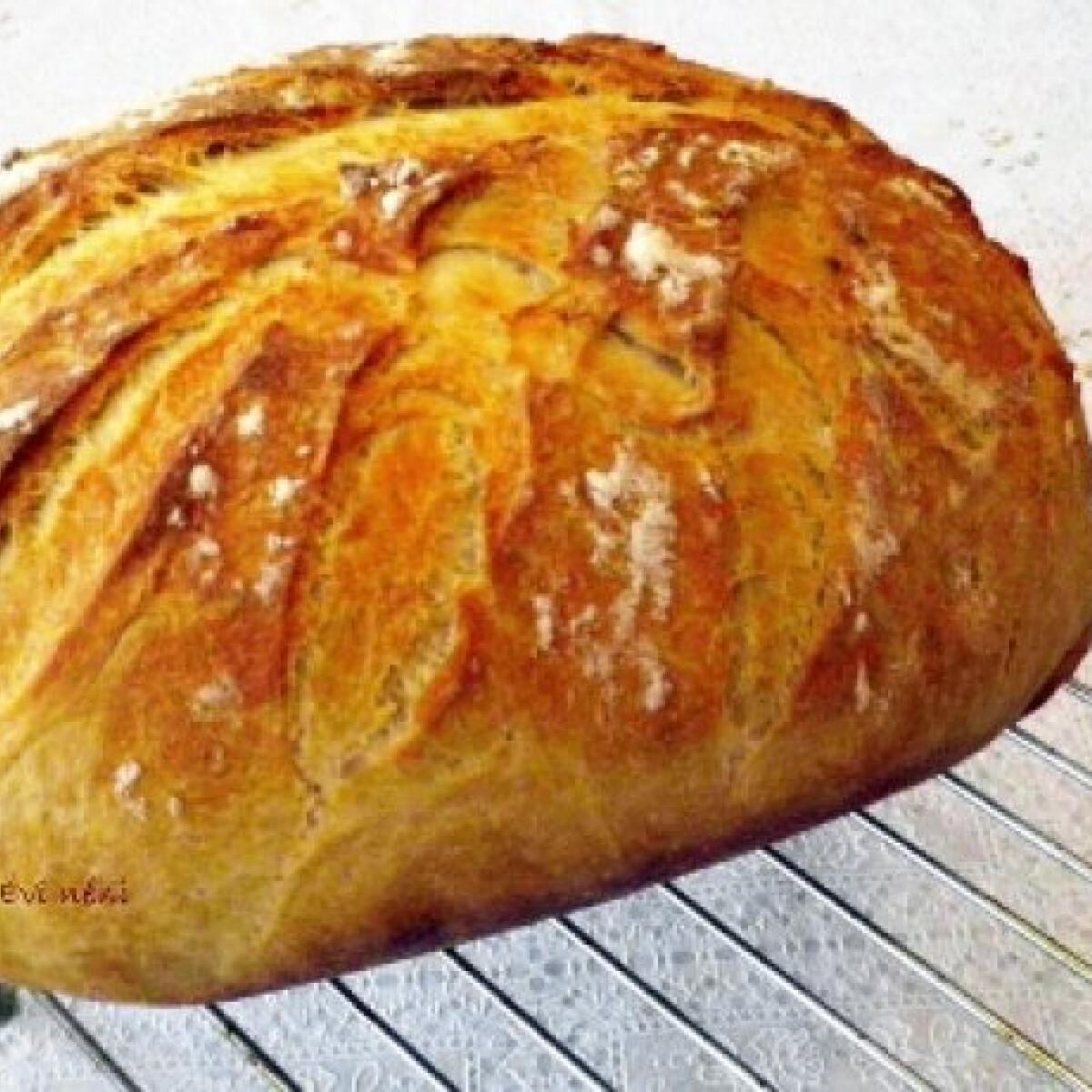 Ezen a képen: Krumplis fehér kenyér cseréptálban sütve