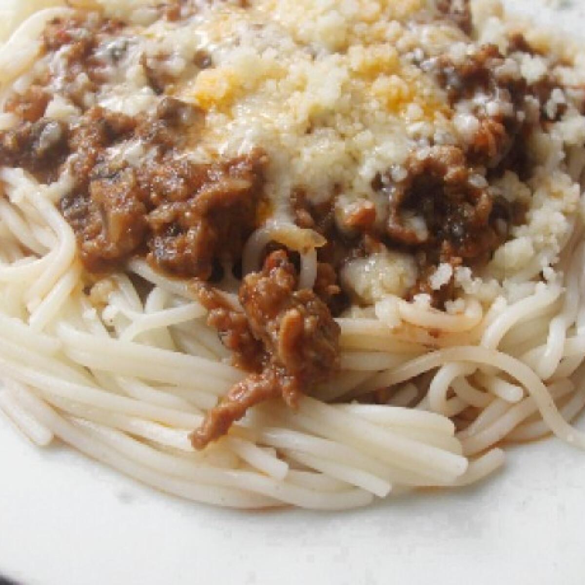 Ezen a képen: Bolognai makaróni Vandre konyhájából
