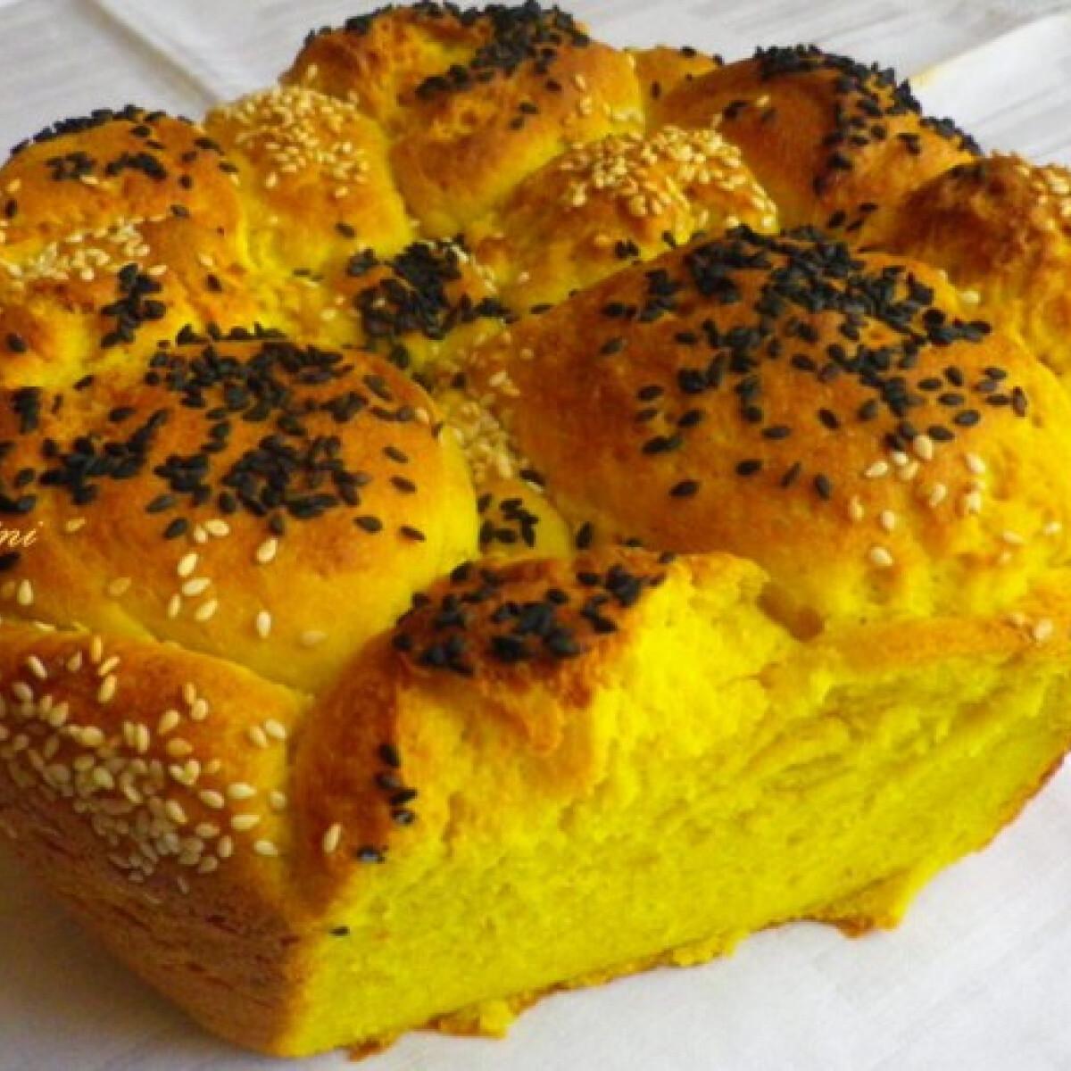 Ezen a képen: Kukoricás-szezámmagos kenyér
