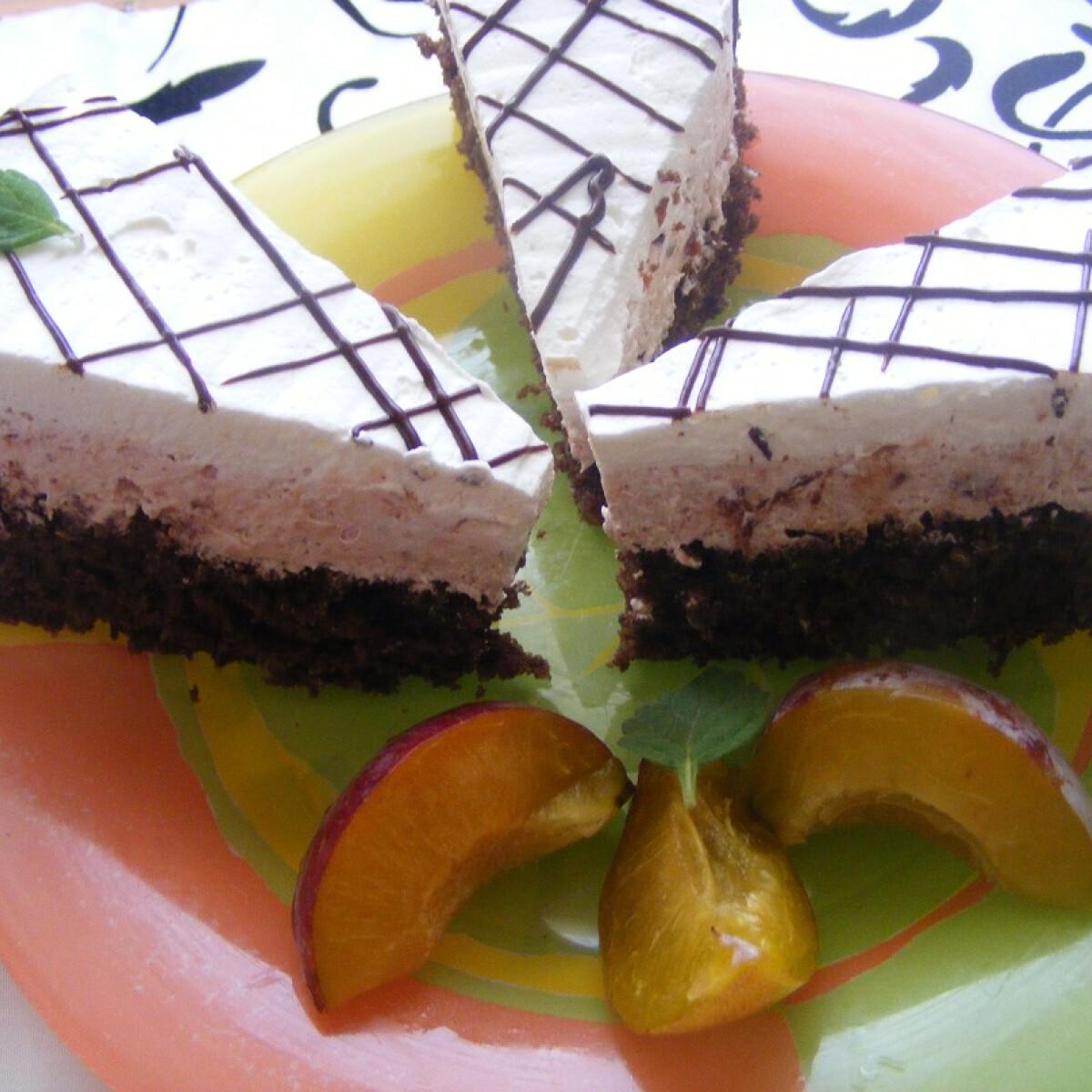 Ezen a képen: Szilvás-kókuszos szelet Mara konyhájából