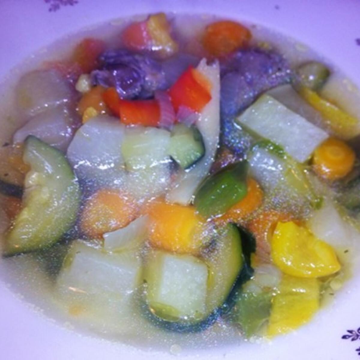 Ezen a képen: Illatos zöldségleves
