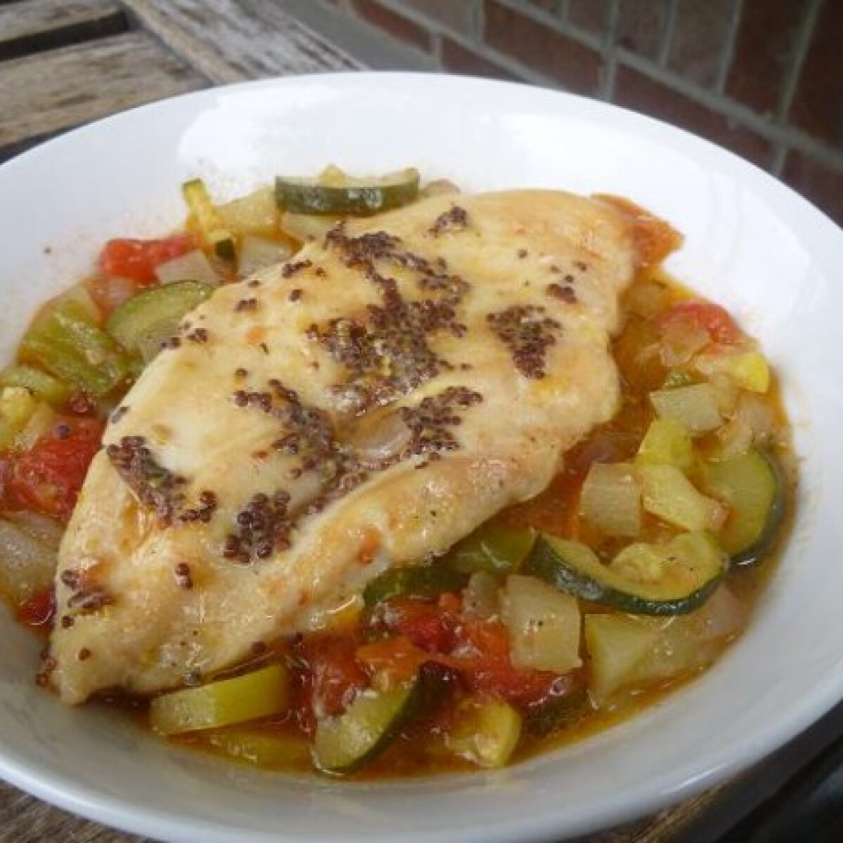 Magvasmustáros-csirkemell vegyes körettel sütve
