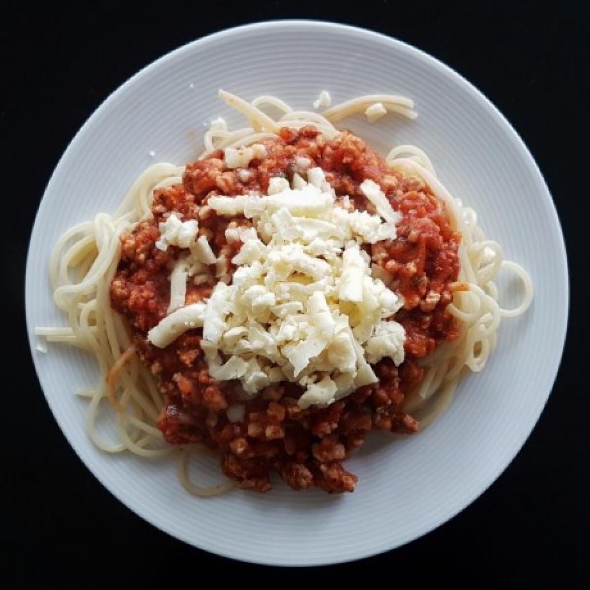 Ezen a képen: Bolognai spagetti sertéshúsból