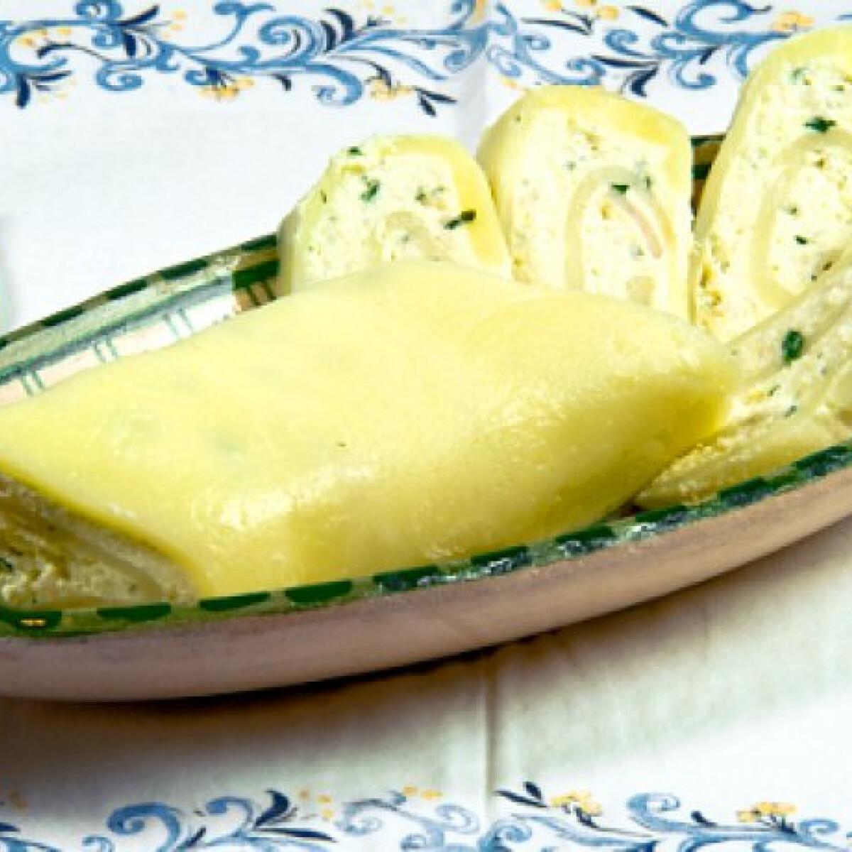 Ezen a képen: Sajttekercs Tomatotree konyhájából