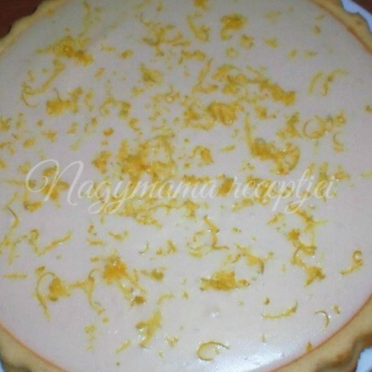 Ezen a képen: Citromos-vaníliás torta