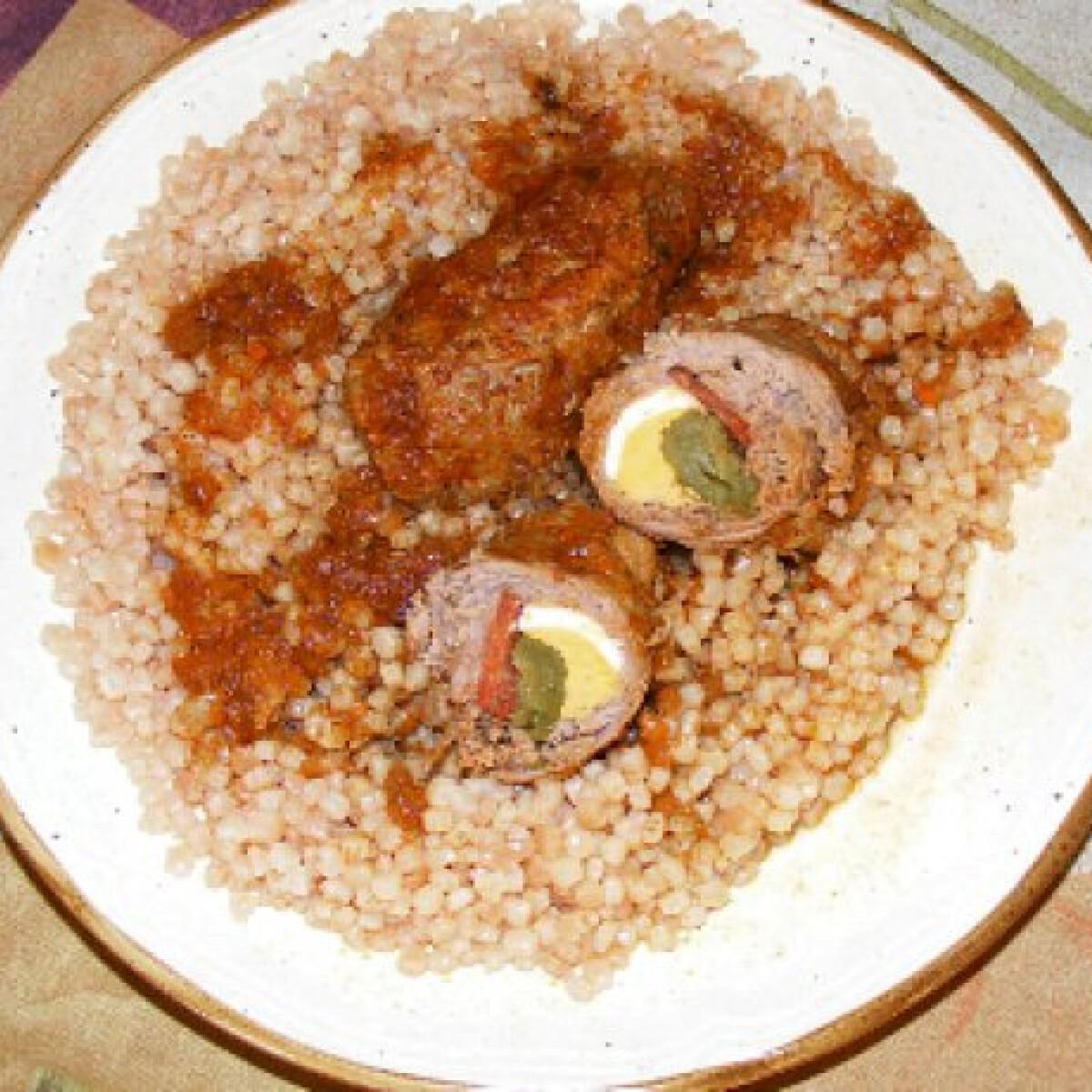 Uborkás-kolbászos töltött hús