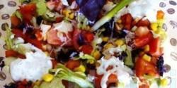 Színes tavaszi saláta