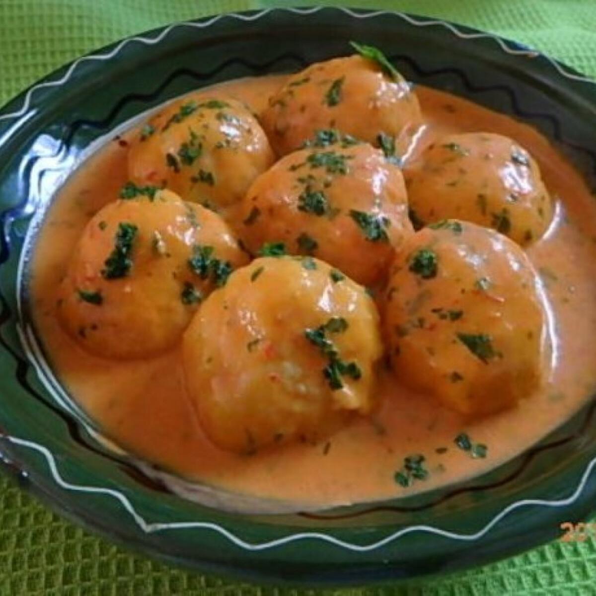 Ezen a képen: Kolbászos krumpligombóc