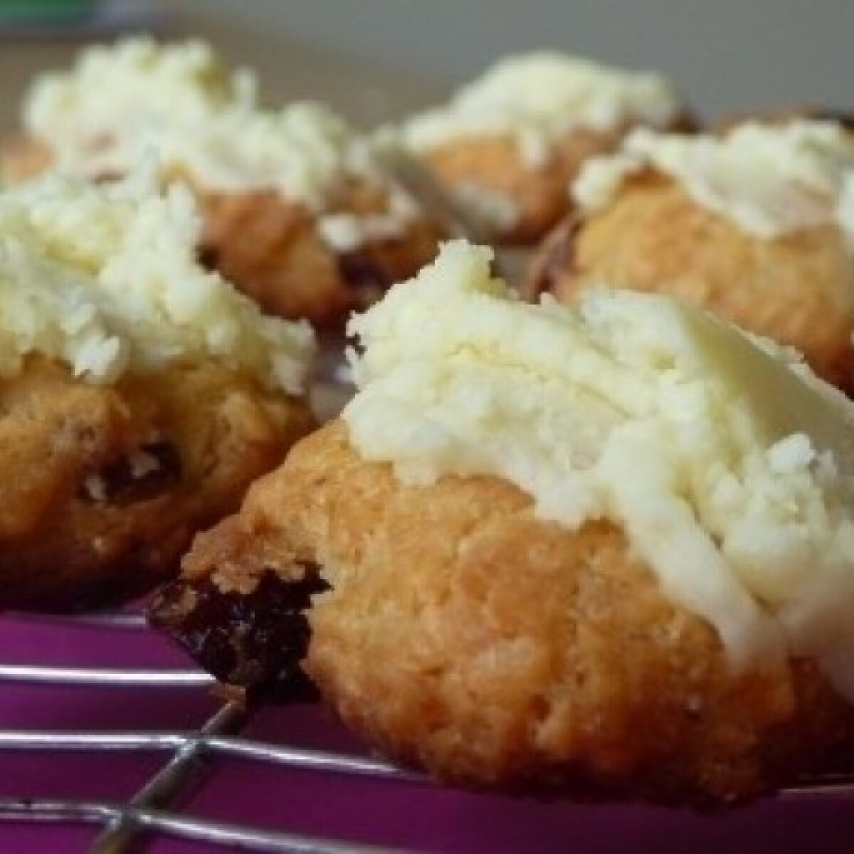 Áfonyás-kókuszos cookie