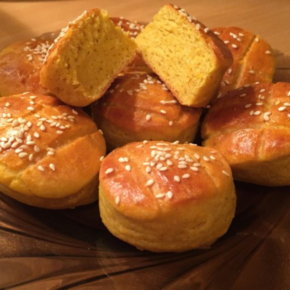Ezen a képen: Sütőtökös pogácsa Anadrog konyhájából