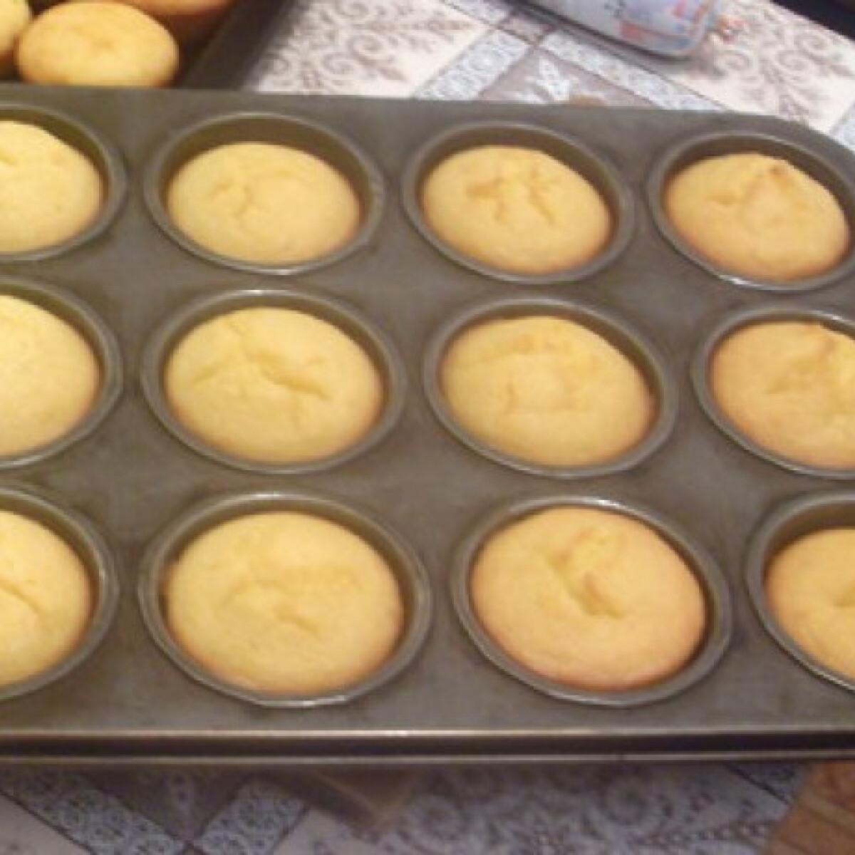 Ezen a képen: Kukoricadarás muffin