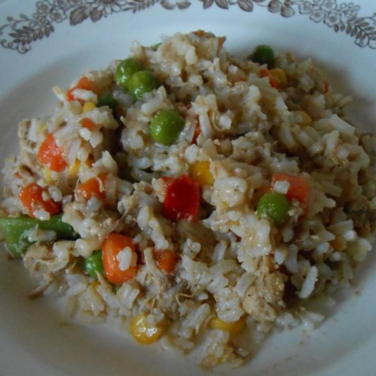 Ezen a képen: Zöldséges rizses hús