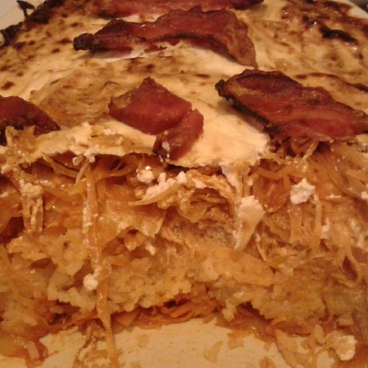 Ezen a képen: Rakott káposzta Gonoszka konyhájából