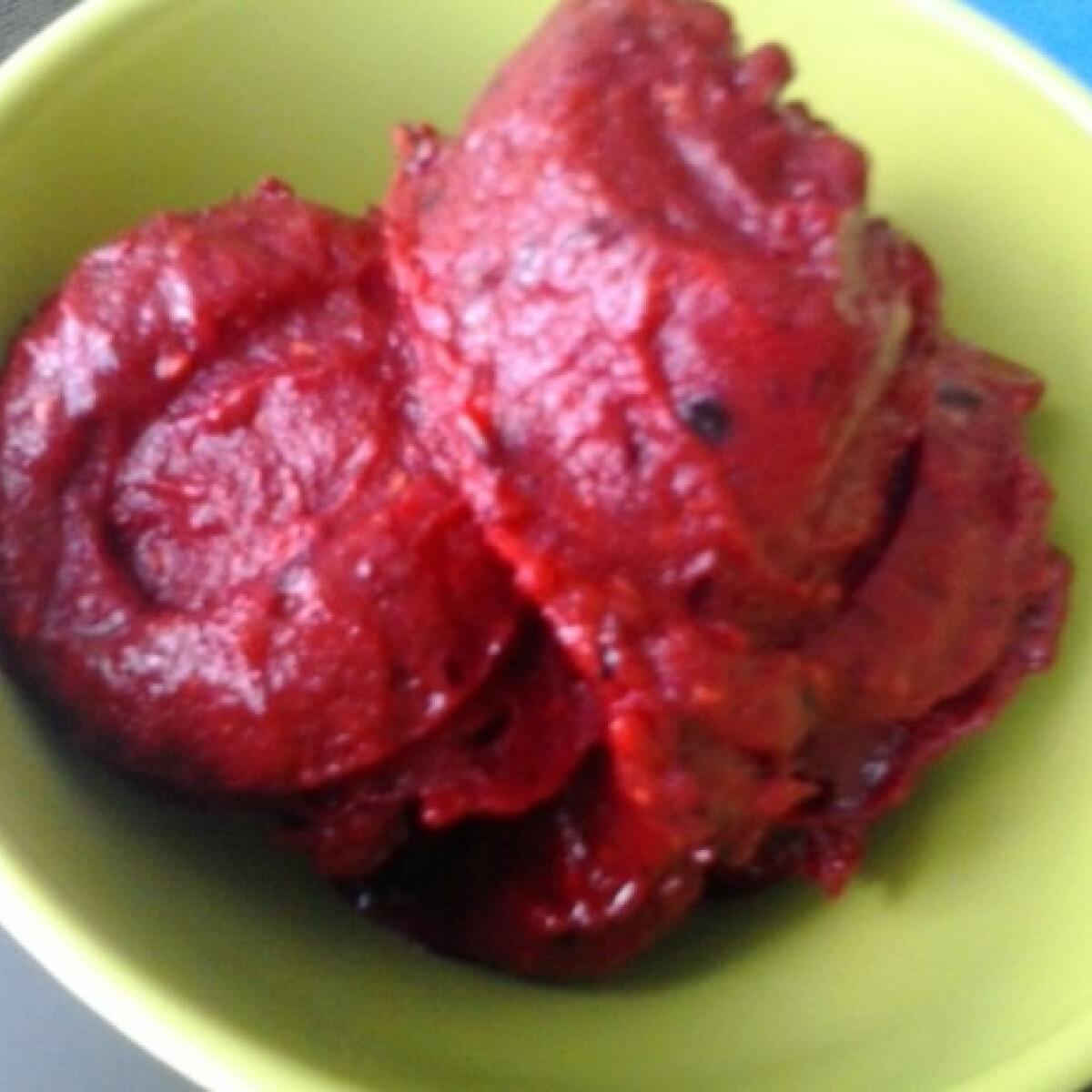 Ezen a képen: Bogyós gyümölcsfagylalt
