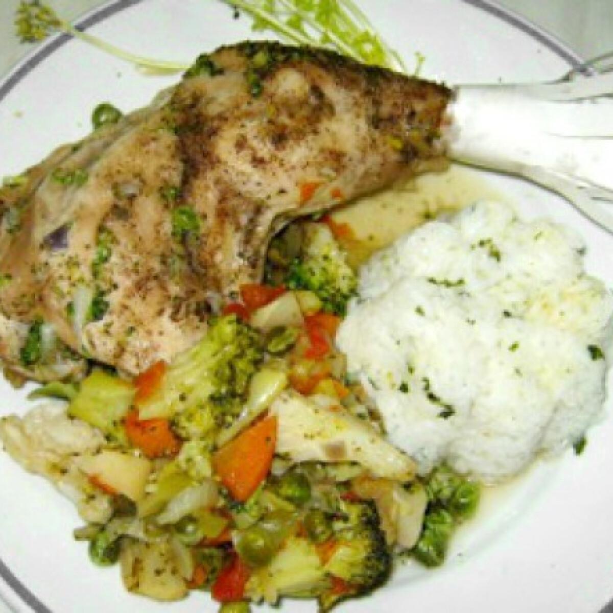 Ezen a képen: Zöldséges csirke Iluska konyhájából