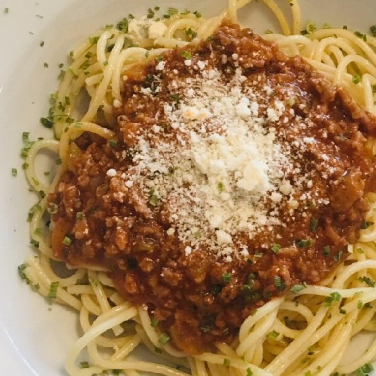Ezen a képen: Spaghetti Bolognese Szimran konyhájából