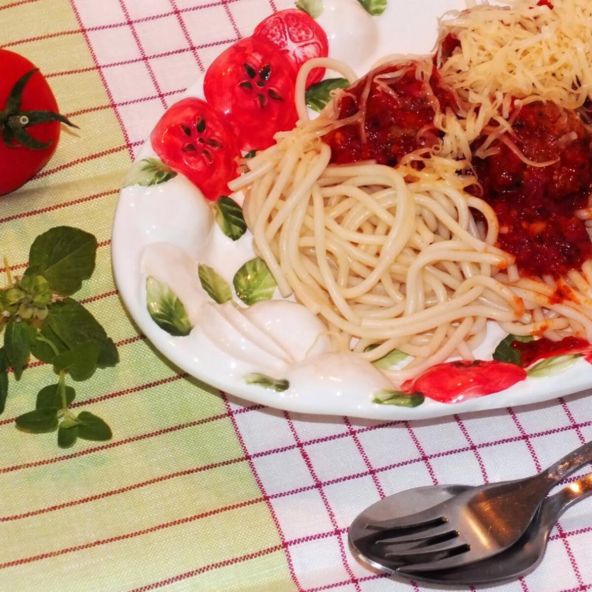 Ezen a képen: Pardicsomos húsgombócok SüniSüti konyhájából