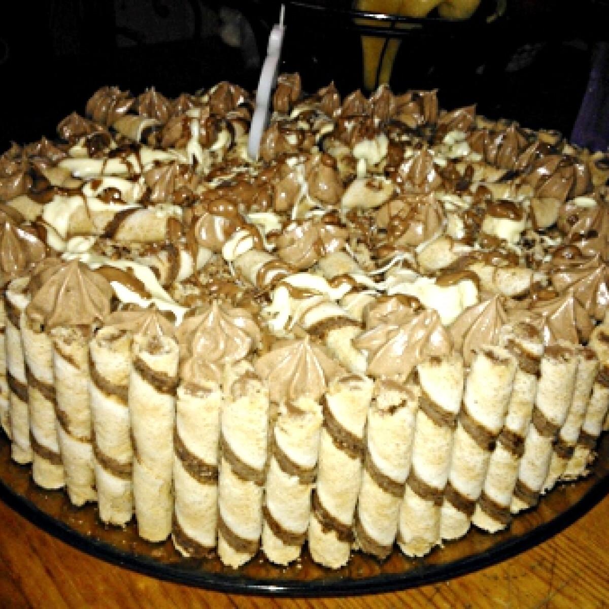 Ezen a képen: Nutellás torta Tuncy konyhájából