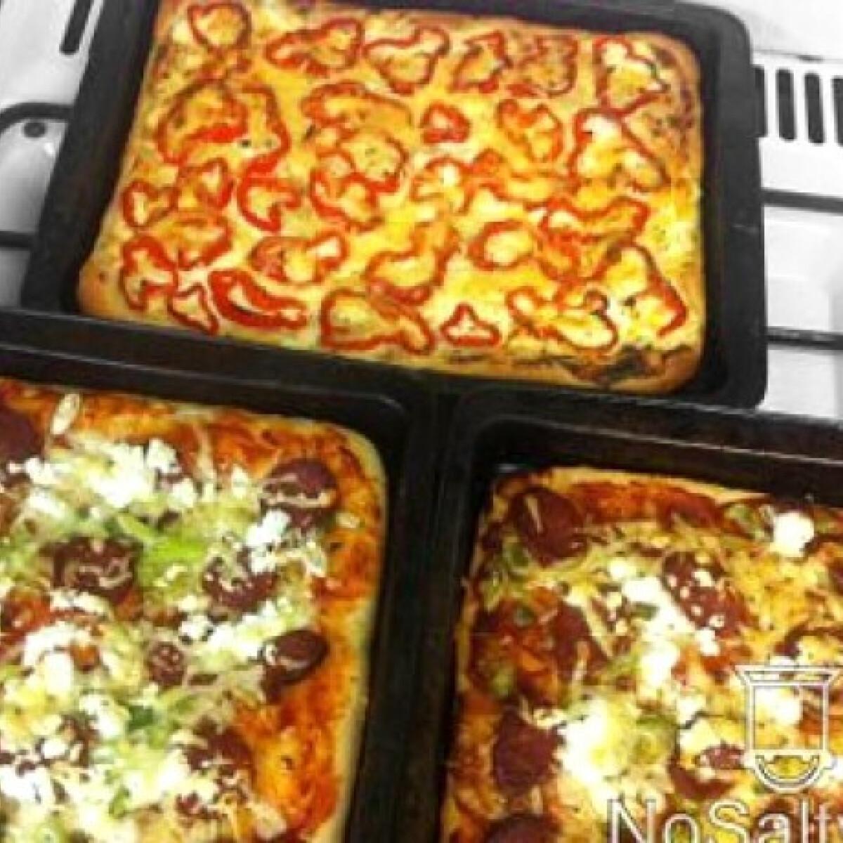 Ezen a képen: Háromféle pizza éjjel kelesztve