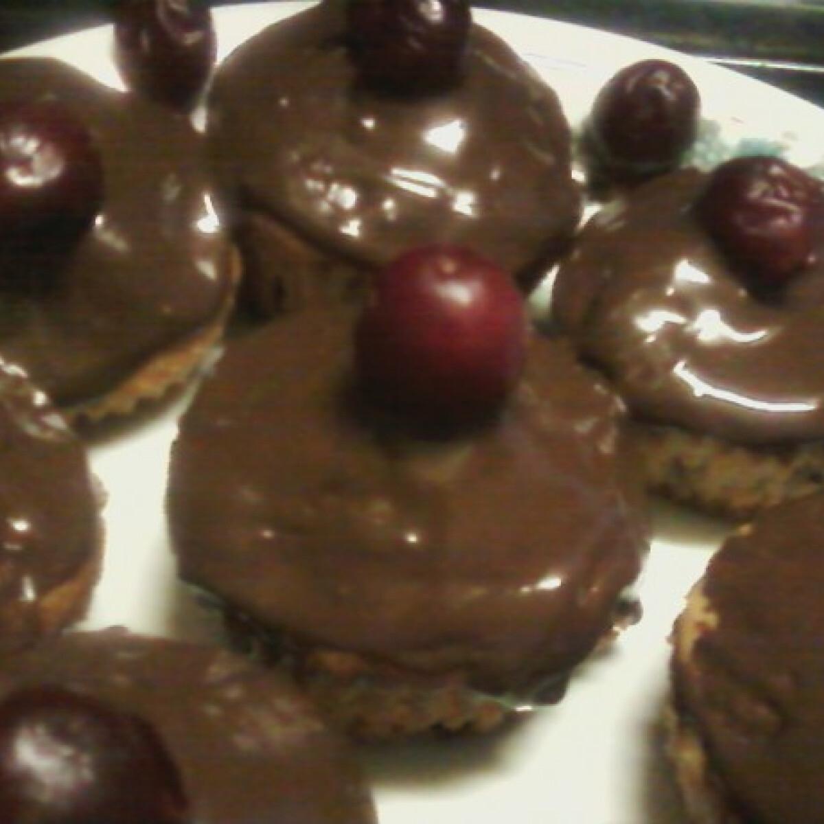 Ezen a képen: Meggyes-csokis muffin Anyanyultól