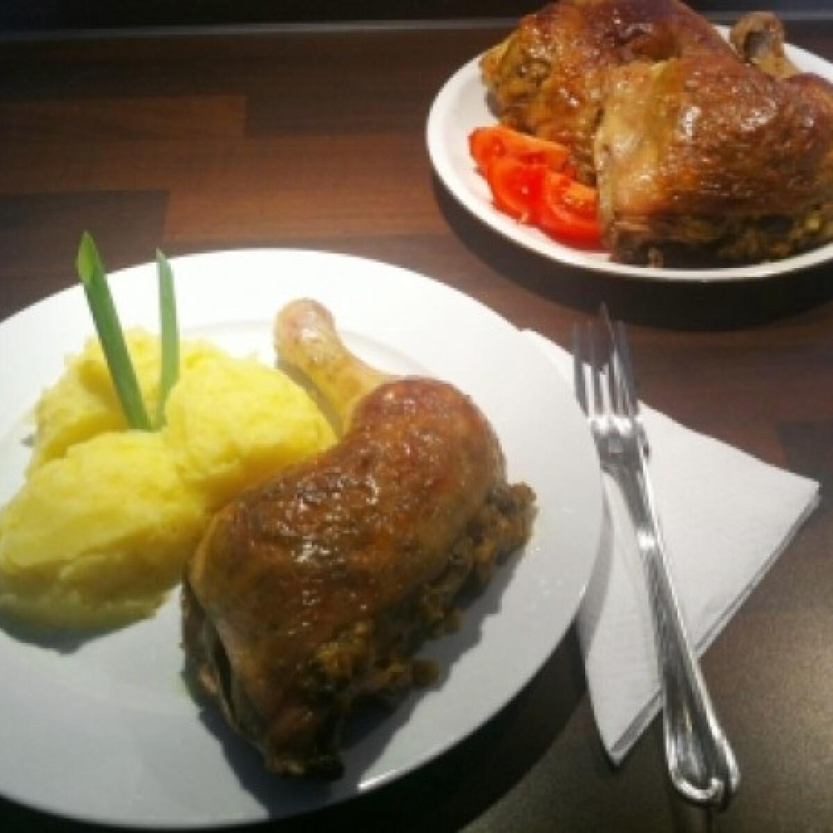 Ezen a képen: Töltött csirke HK konyhájából