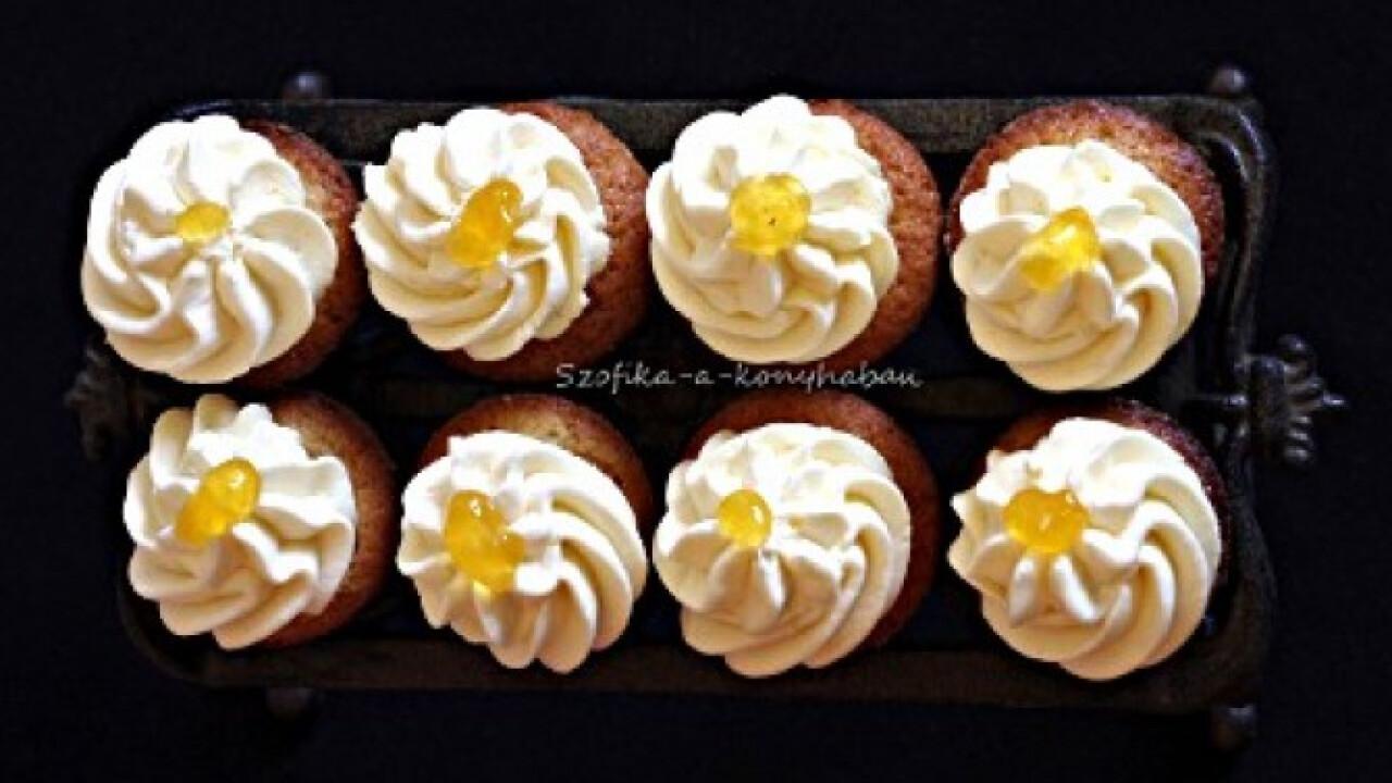 Sárgabarackos mini cupcake