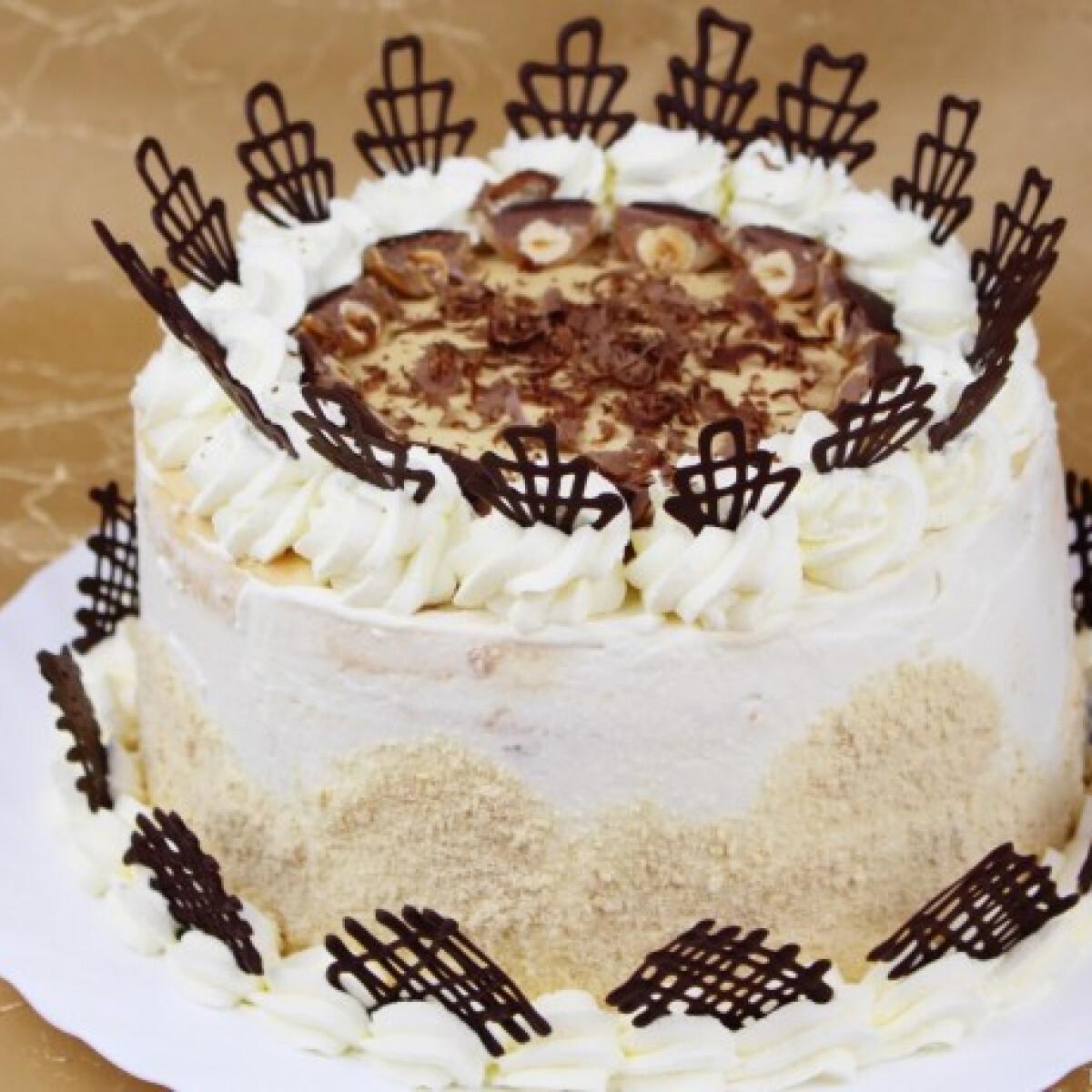 Tejszínes-karamellás Toffifee torta