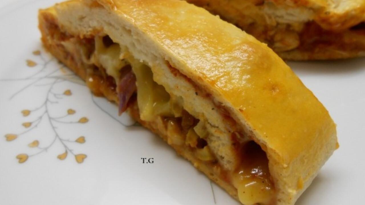 Sajtos-csirkés calzone