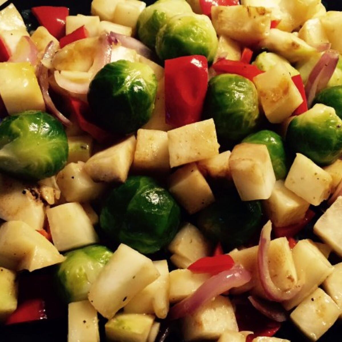Ezen a képen: Fickós serpenyős zöldség nem csak pasiknak