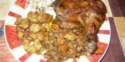 Lencsés zöldségágyon sült hús