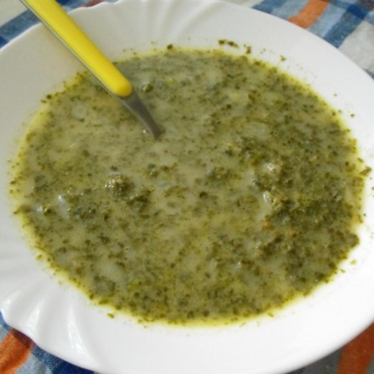 Angolos sóskaleves zöldborsóval