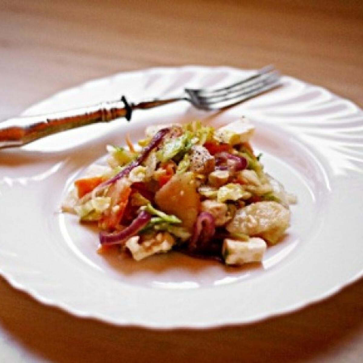 Ezen a képen: Saláta az ősz ízeiben