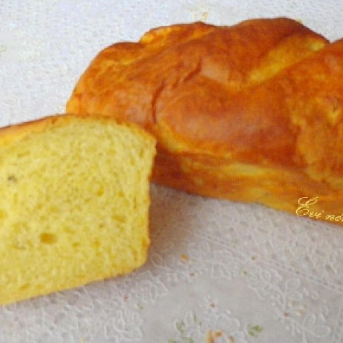 Ezen a képen: Zöldfűszeres kukoricás kenyér