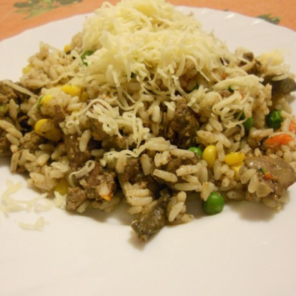 Ezen a képen: Zöldséges csirkemájas rizs gombával