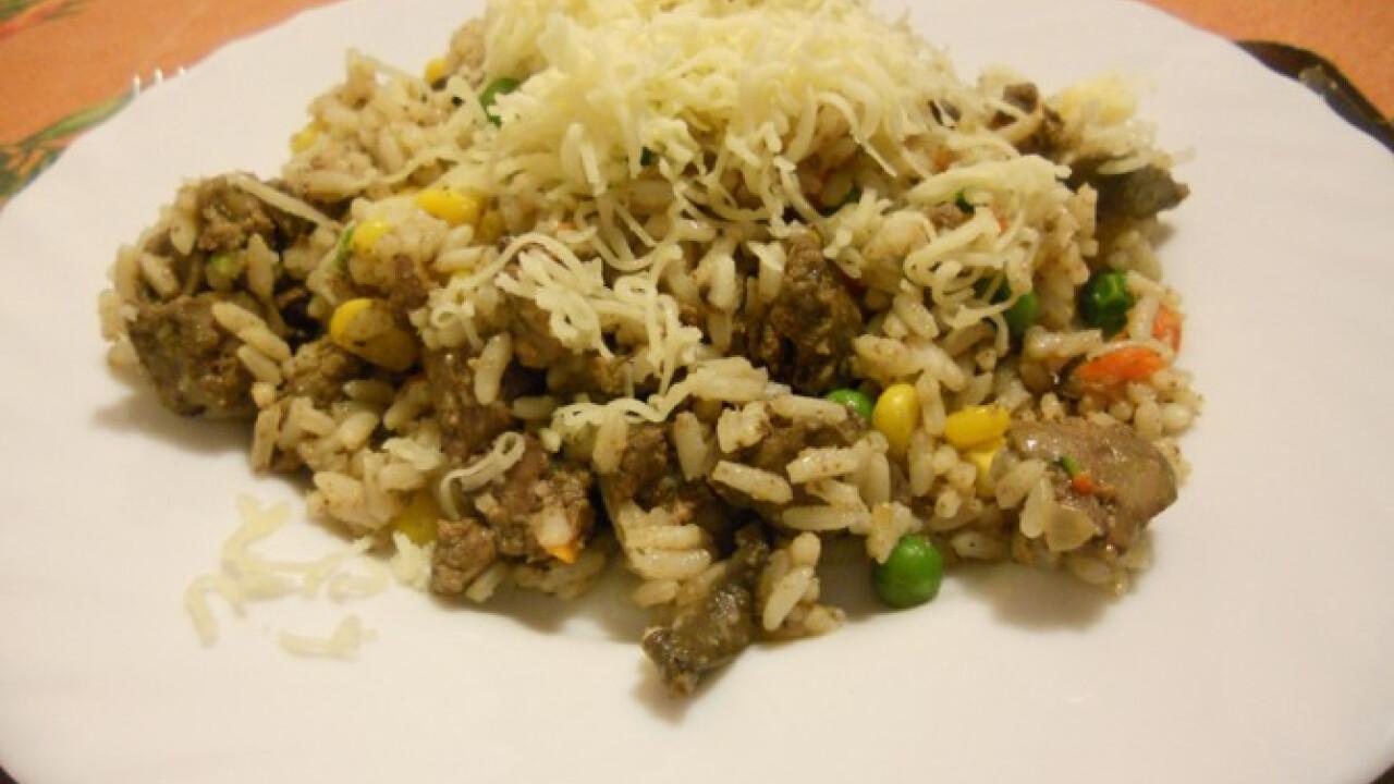 Zöldséges csirkemájas rizs gombával