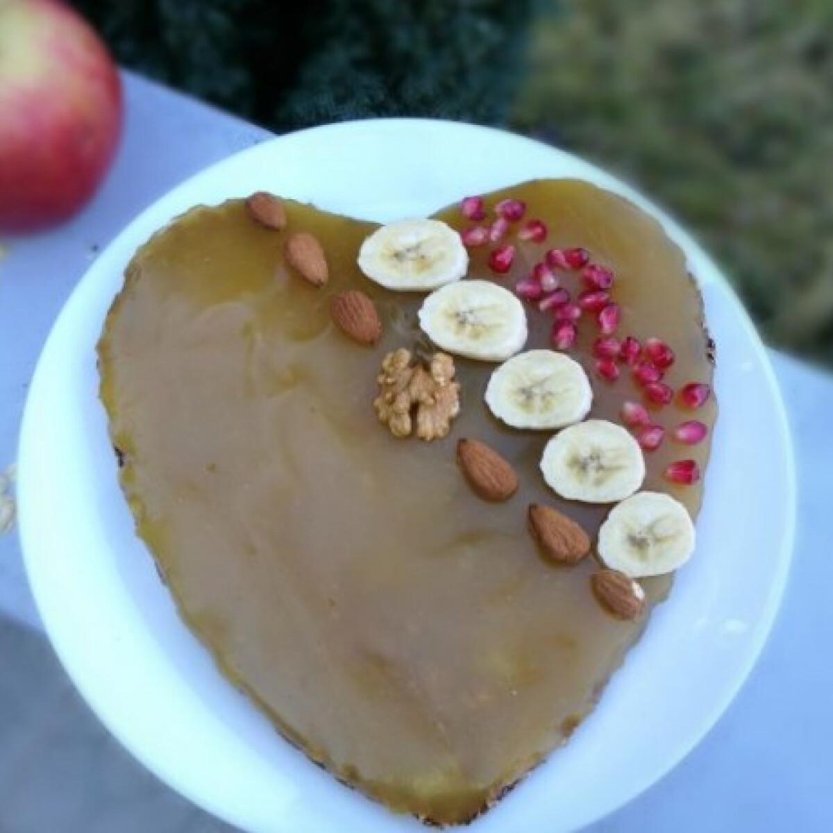 Ezen a képen: Vegán, cukormentes, diétás, almapudingos süti