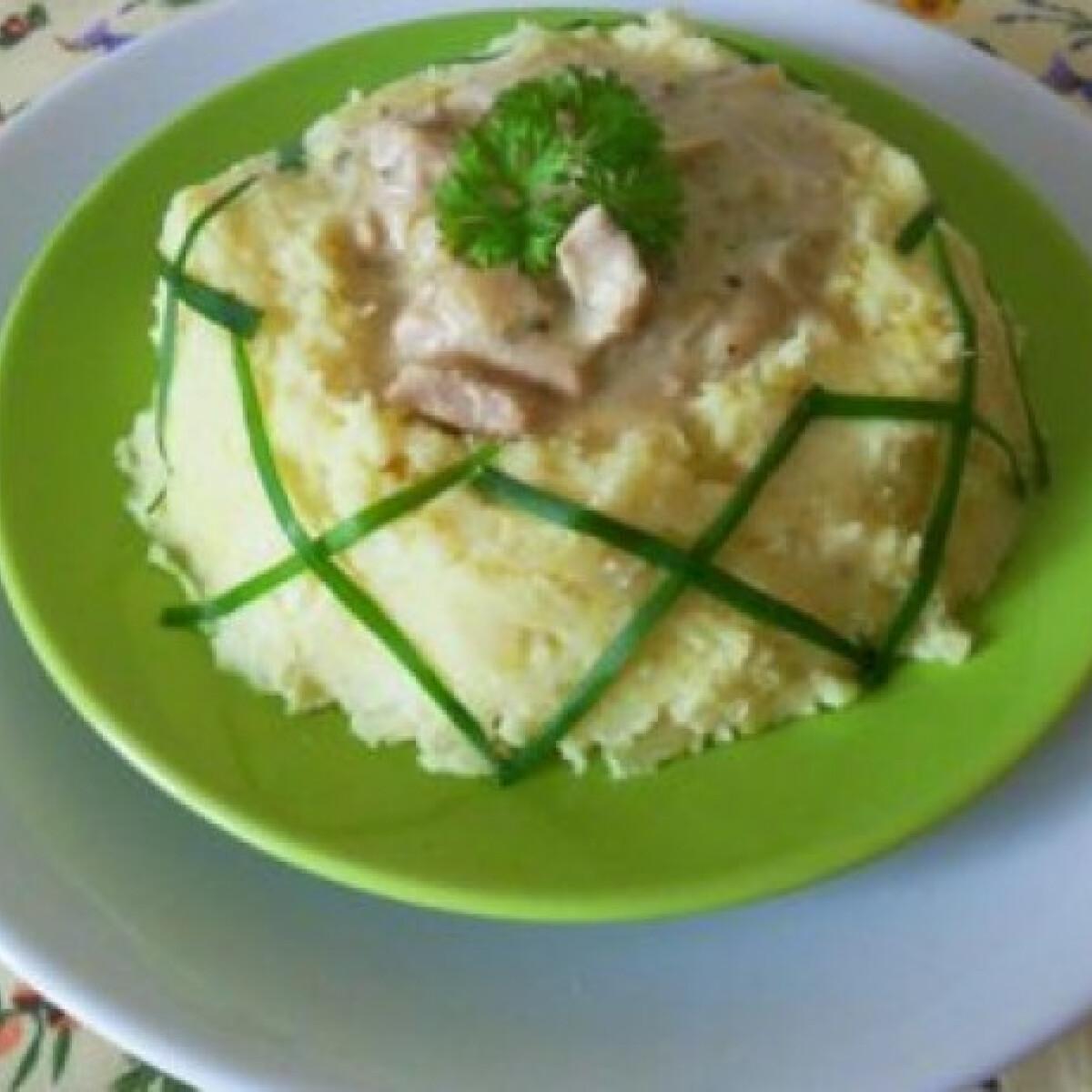 Ezen a képen: Zöldbabos-fokhagymás csirke
