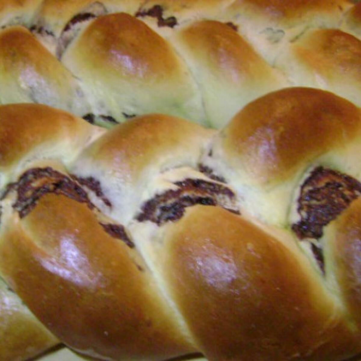 Ezen a képen: Ostoros-kakaós kalács Dina konyhájából
