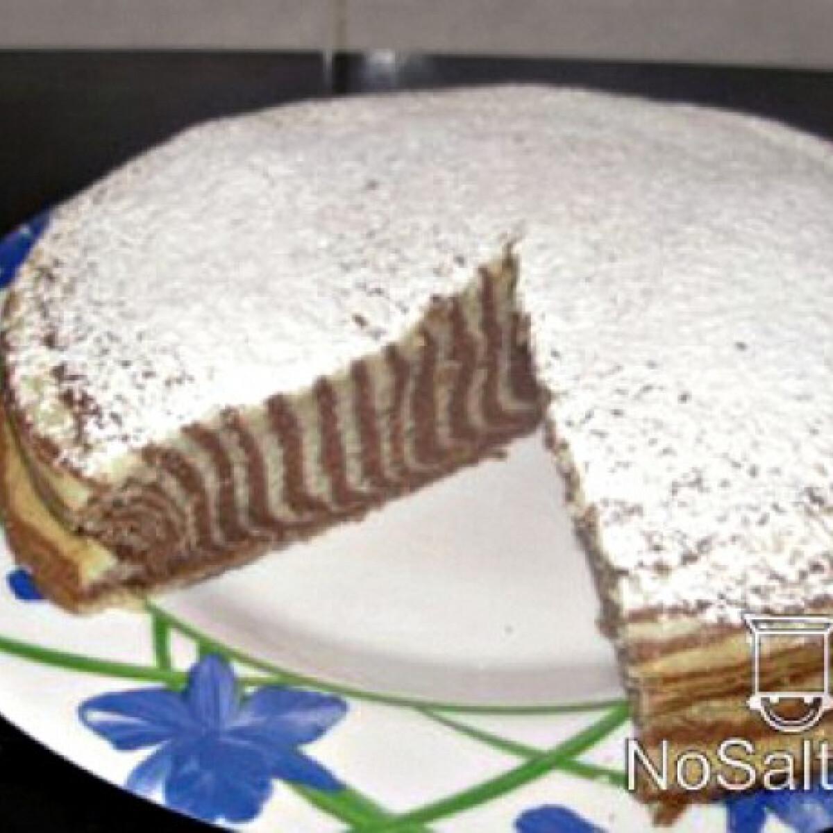 Ezen a képen: Zebra csíkos torta