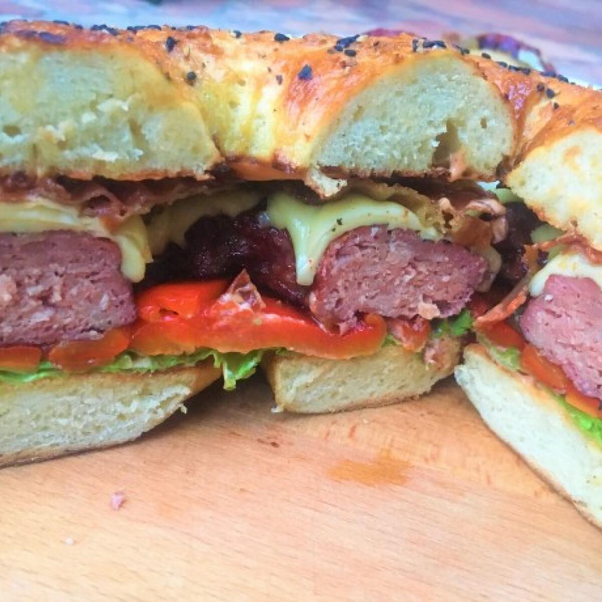 Ezen a képen: Bagel Burger
