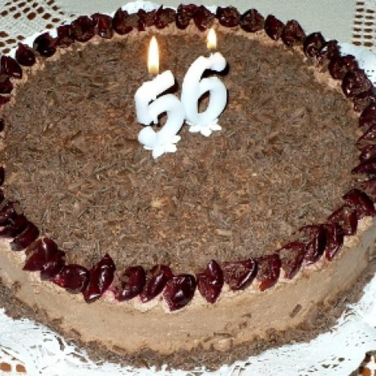 Ezen a képen: Tejszínes csokoládétorta Nyusssszitól