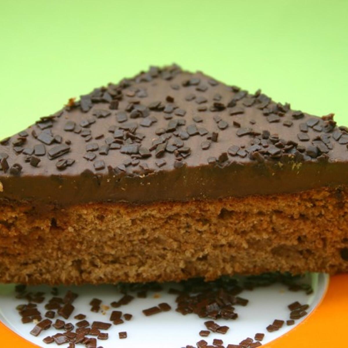 Ezen a képen: Áfonyás-mézes sütemény
