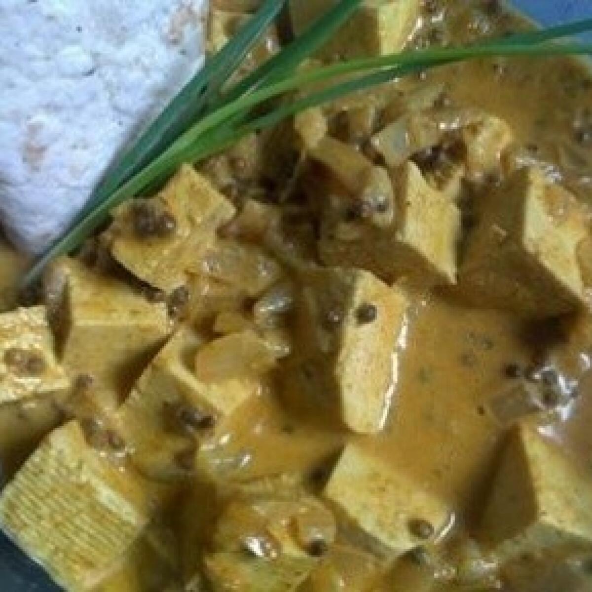 Ezen a képen: Tofu curryvel