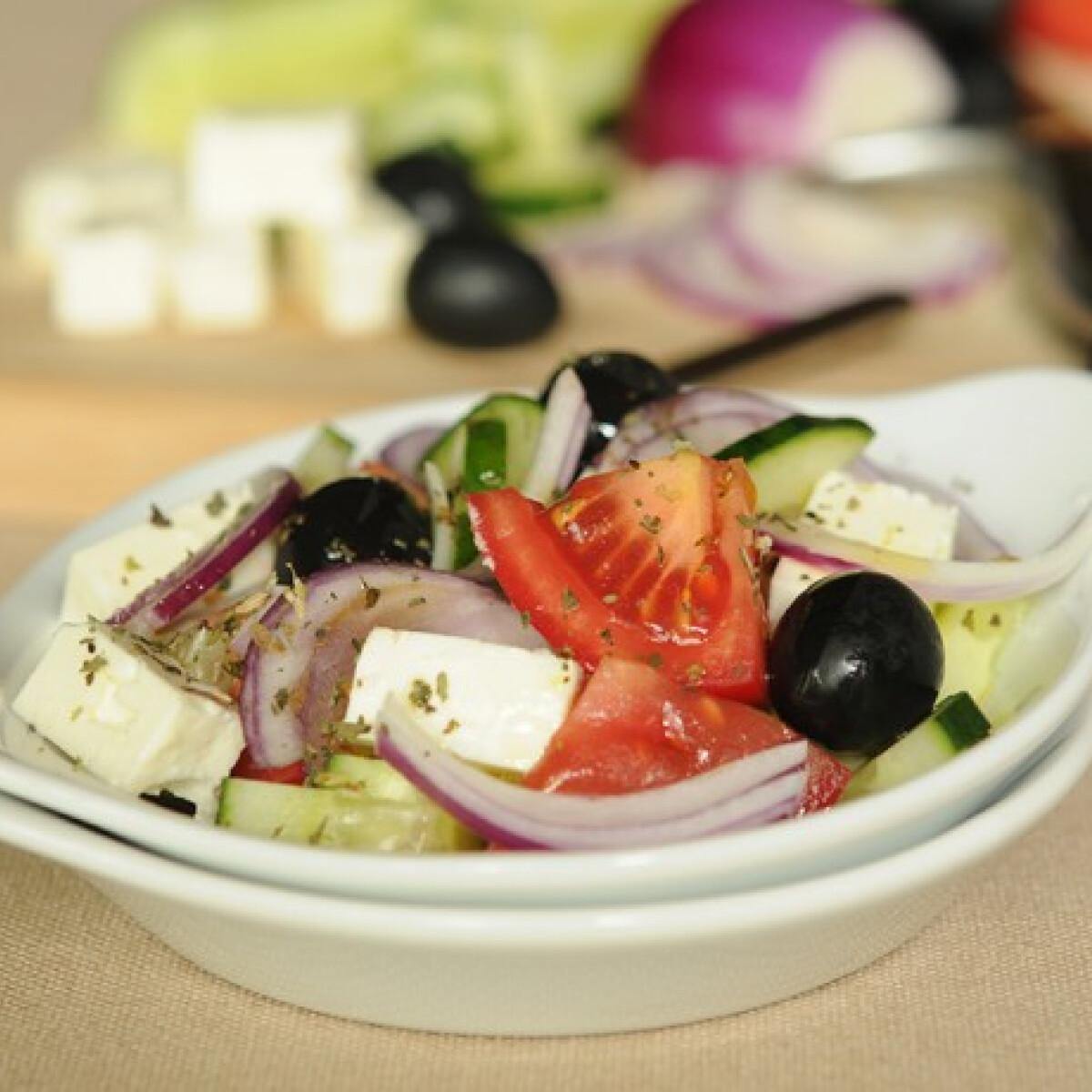 Ezen a képen: Görög saláta