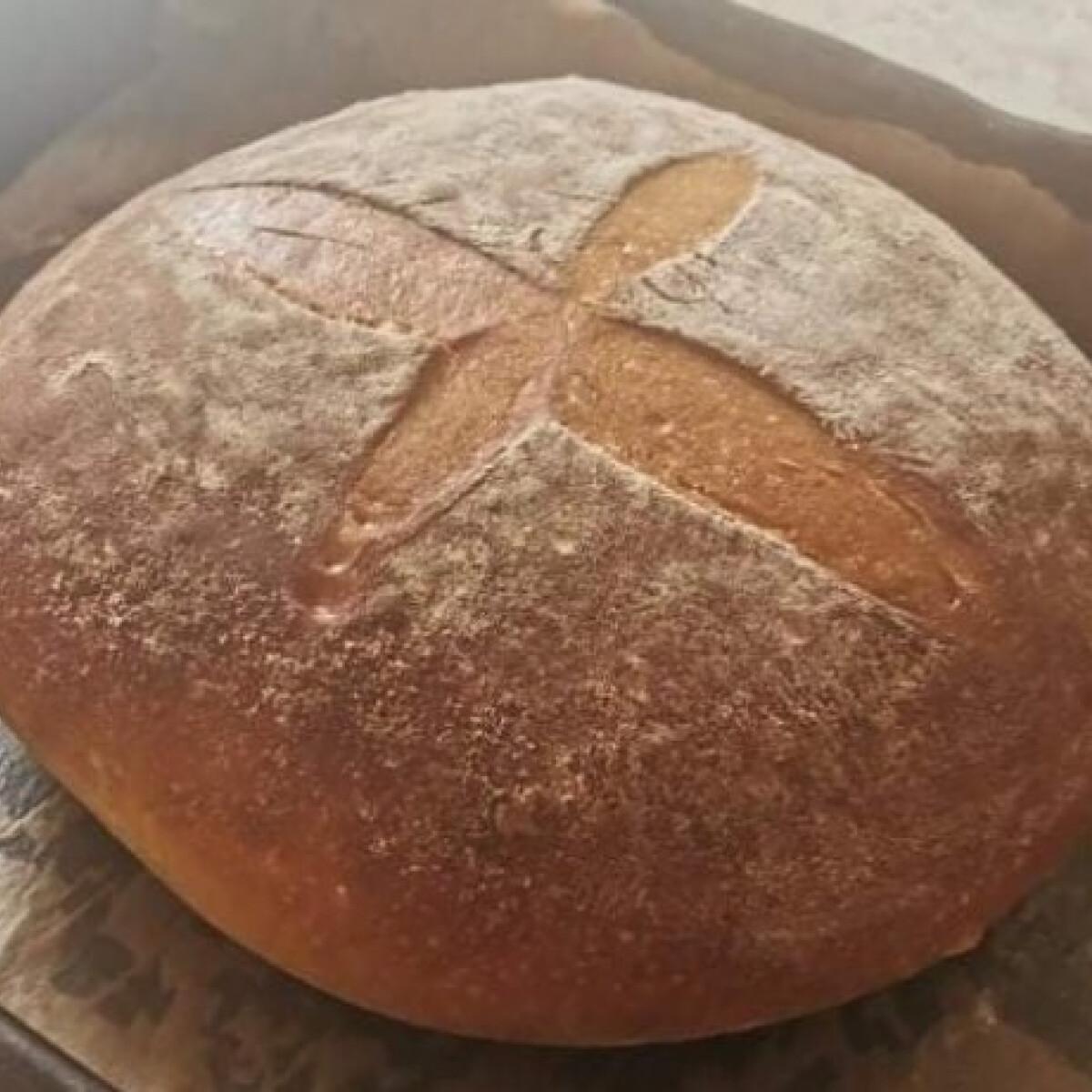 Ezen a képen: Élesztőspórolós kenyér